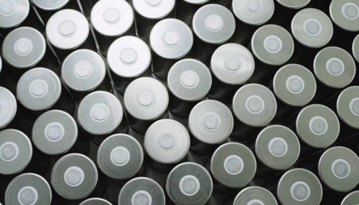 Baterias de íons de lítio da Tesla em conjunto